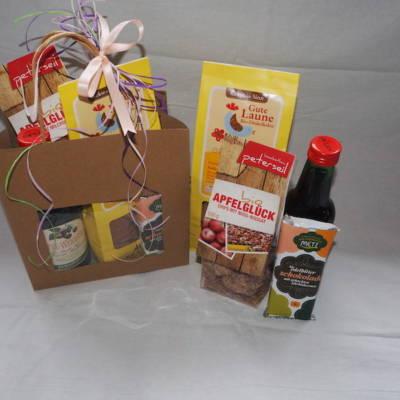 Grünhilde Geschenkkorb mit Süssigkeiten aus der Mühlviertler Region