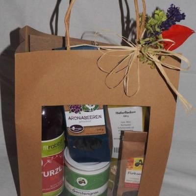 Grünhilde Geschenkkorb mit gesunden Zutaten